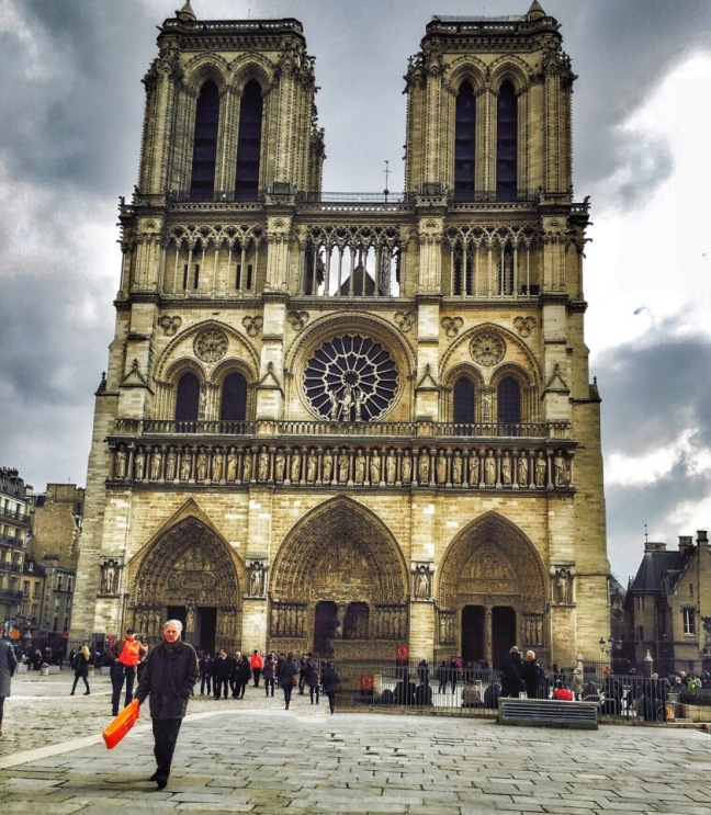notre-dame-outers