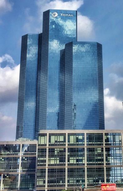 paris-la-defense-three-towers