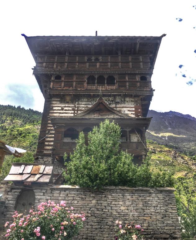 kamru-fort-sangla