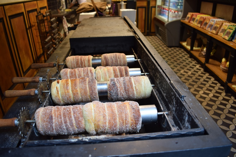 Making of Trdelník