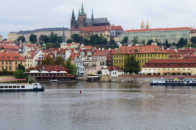 Prague castle from charles bridge.JPG